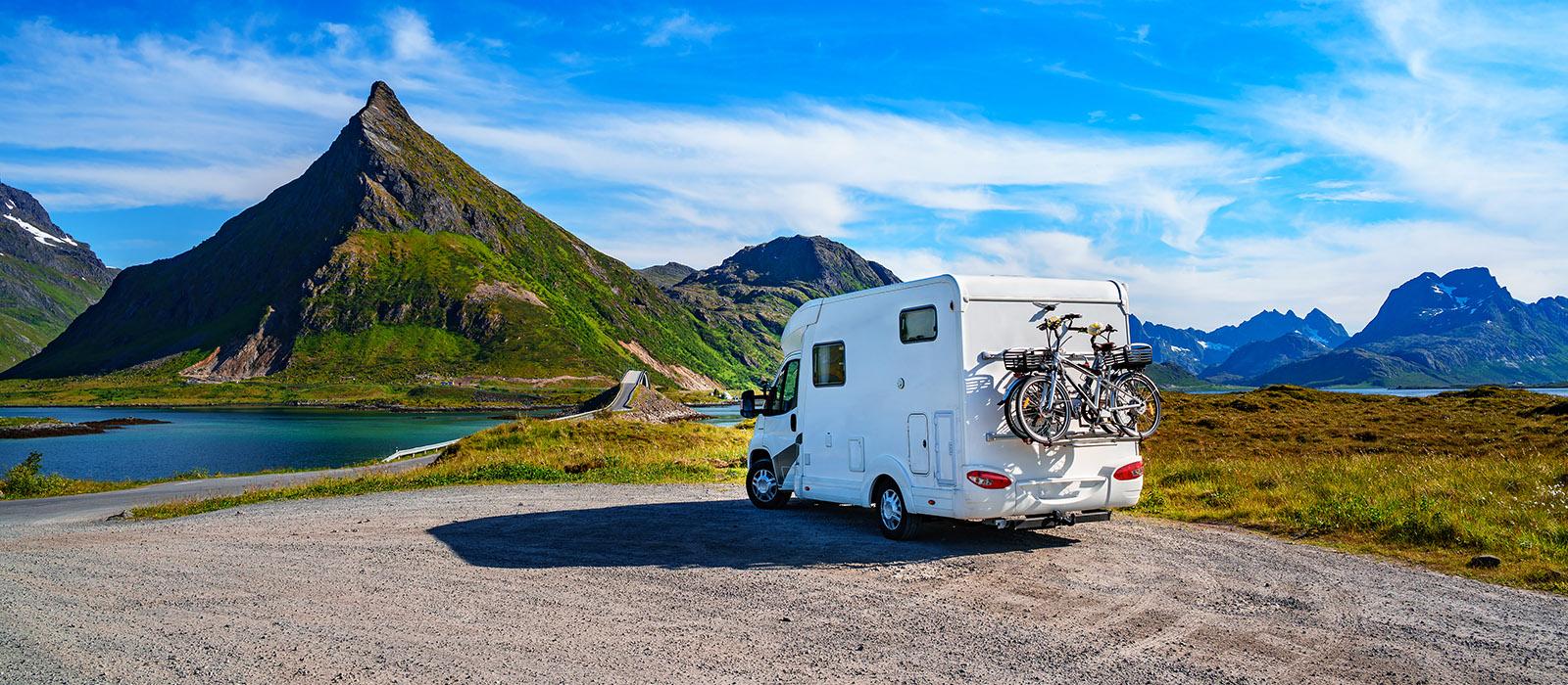 Při cestování obytným autem či s karavanem nejste limitovaní jen na autokempy