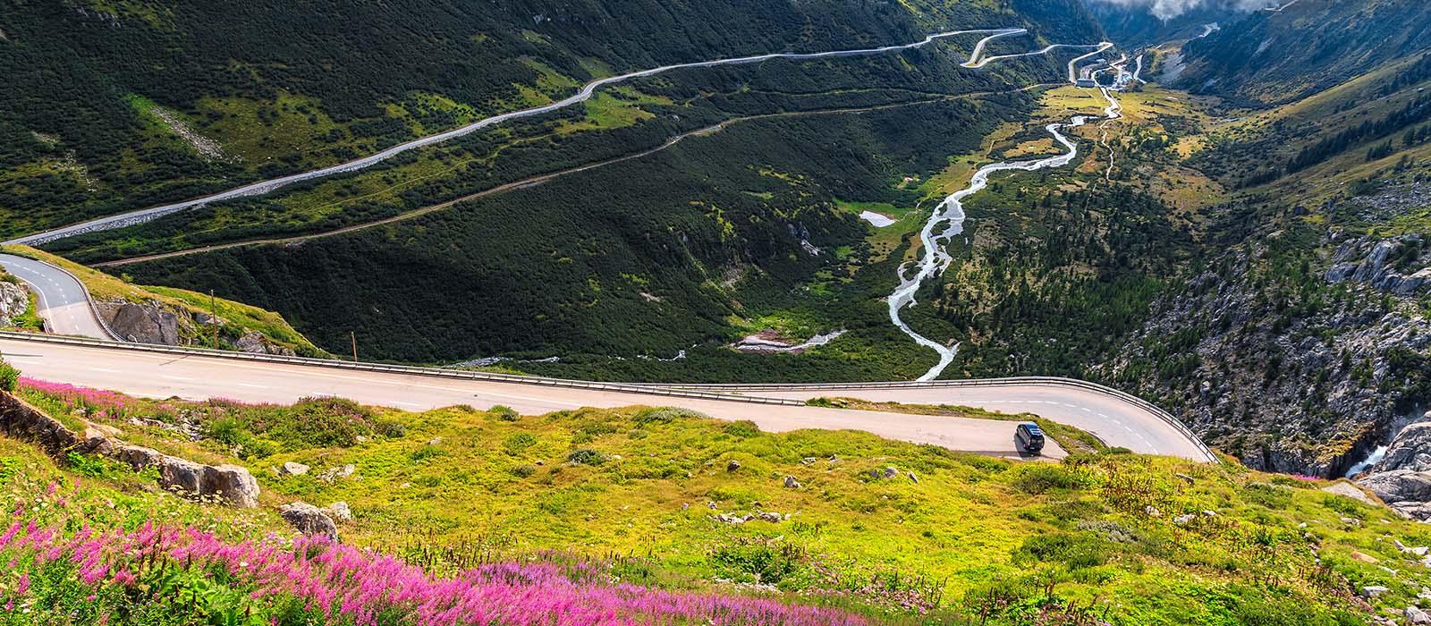 Průjezd horskými průsmyky okoření dovolenou jako máloco