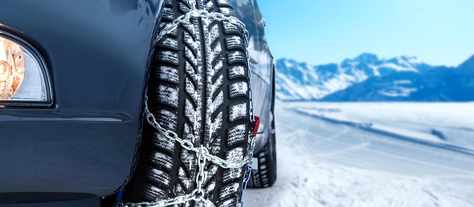 Jezdíte v zimě do hor? Nezapomeňte si přibalit sněhové řetězy